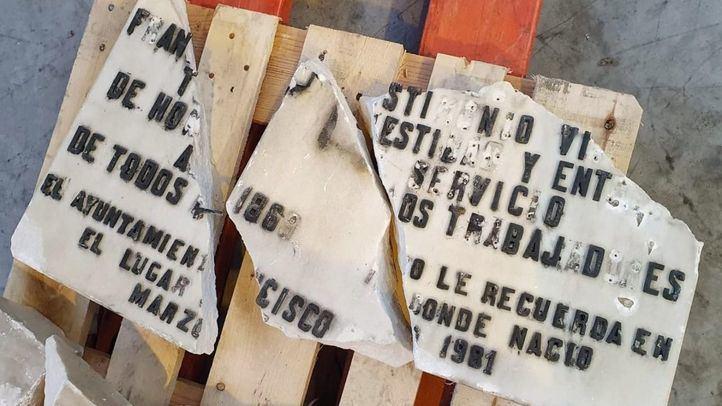 Las placas de Largo Caballero y Prieto se mantendrán mientras dure el proceso judicial