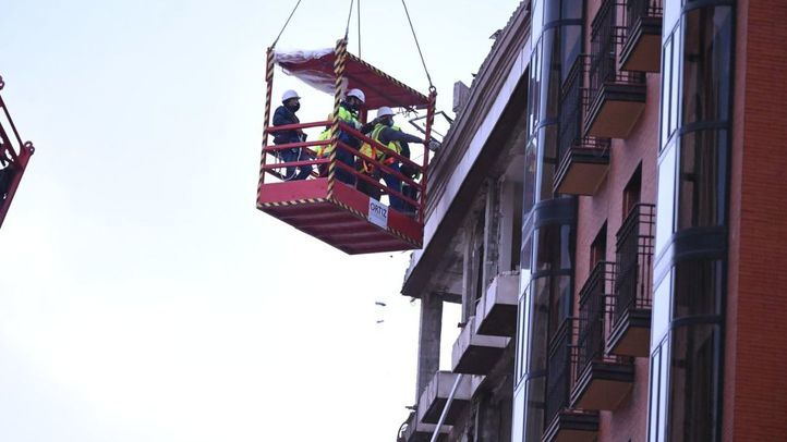 Los técnicos reanudarán este viernes los trabajos en el edificio siniestrado y ya han regresado algunos vecinos