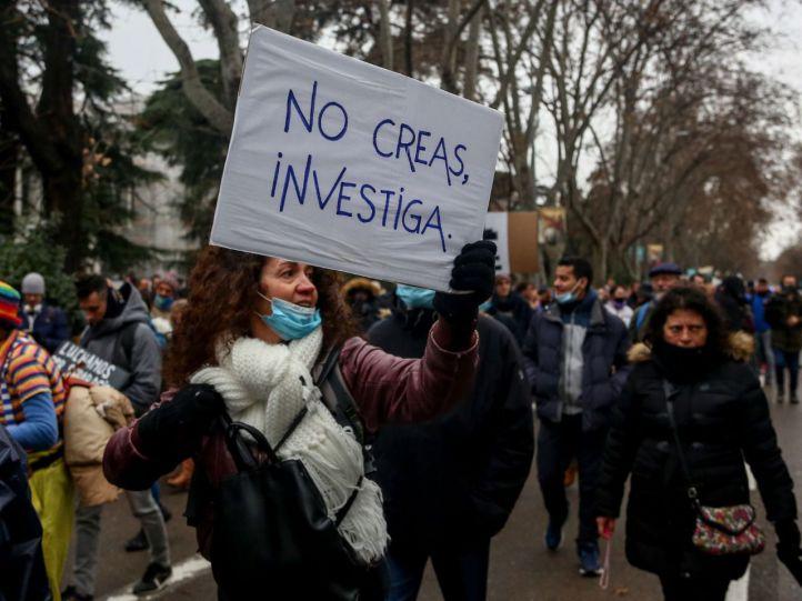Los negacionistas recorren Madrid en plena tercera ola