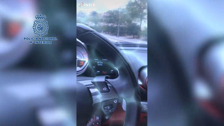 Detenido tras grabarse al conducir a 165 km por hora en Madrid