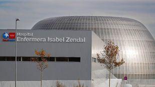 Un autobús gratuito conectará desde este lunes el Zendal con el hotel habilitado para los sanitarios