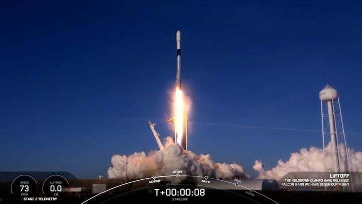 Space X batió récords al lanzar 143 satélites con un solo cohete