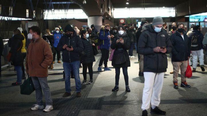 Retrasos en casi todas las líneas de Cercanías por una huelga de celo de los maquinistas