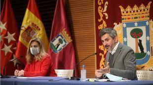 El delegado de Familias, Igualdad y Bienestar Social, Pepe Aniorte, en la rueda de prensa posterior a la Junta de Gobierno.