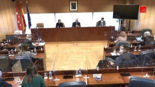 Suspendida la Comisión de Residencias porque la sala no es accesible para un compareciente en silla de ruedas
