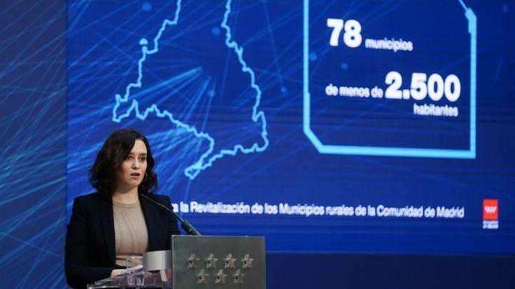 Isabel Díaz Ayuso en la presentación de la extensión y llegada de la fibra óptica a los municipios rurales