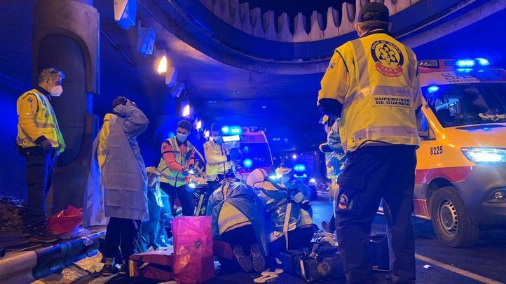 Dos heridos muy graves por un accidente de moto en el túnel de María de Molina