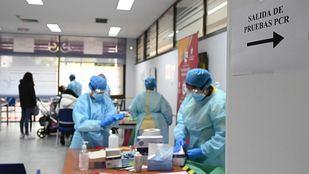 Los test de antígenos llegan esta semana a once zonas básicas y continúan en los campus universitarios