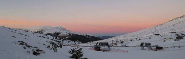 Las últimas nevadas permiten reabrir este viernes las pistas de Navacerrada y Valdesquí
