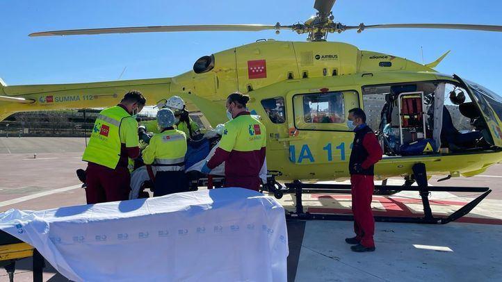 Herido grave un montañero tras clavarse un piolet en el pecho al caer por una ladera de hielo