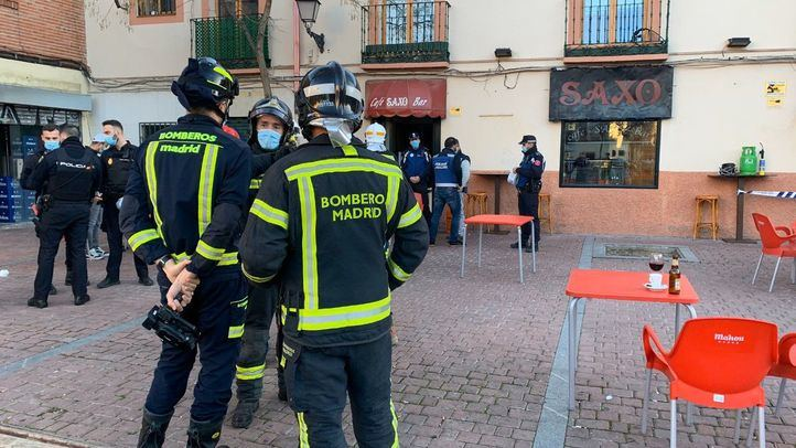 Cinco personas sufren quemaduras tras una deflagración en un bar de Villaverde