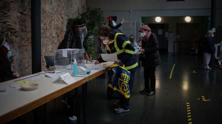 Los catalanes votan este 14F bajo estrictas medidas de seguridad por el coronavirus