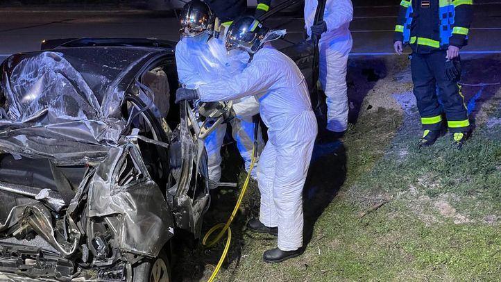 Los bomberos han tenido que excarcelar al conductor del coche