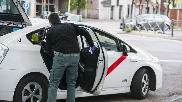 Los taxis aplicarán tarifas fijas a zonas de bajas emisiones y precio cerrado desde mayo