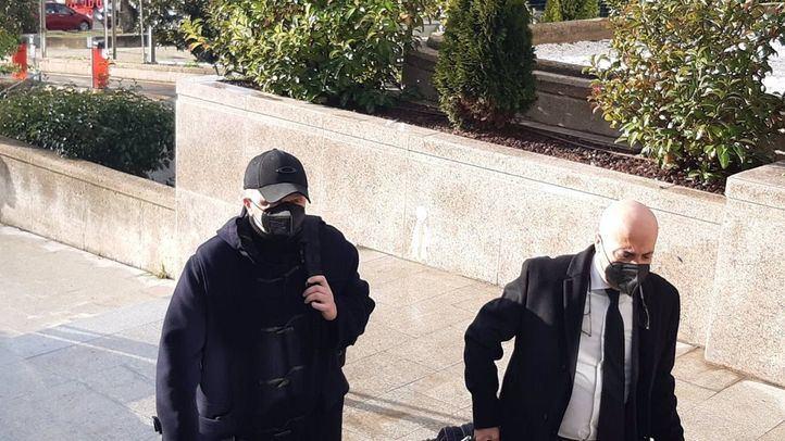 Paco Sanz, a su llegada a la Audiencia Provincial para declarar