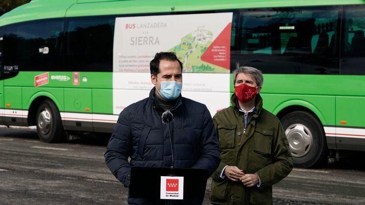 Aguado presenta un autobús lanzadera a Cotos y Valdesquí