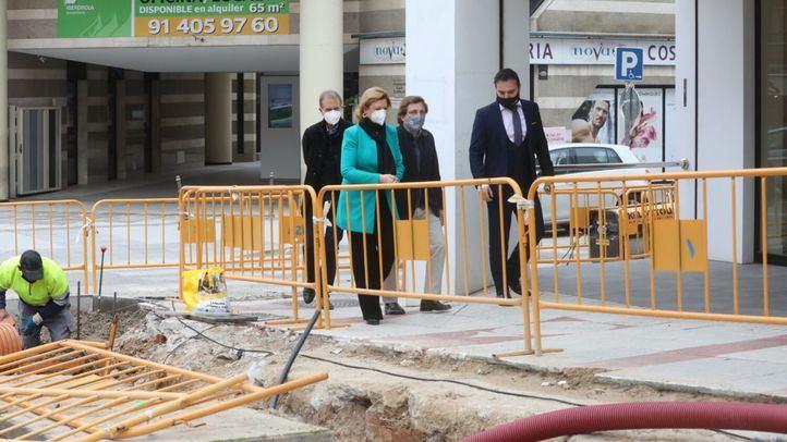 El alcalde, José Luis Martínez-Almeida, visita las obras de remodelación en la calle Alcalá.