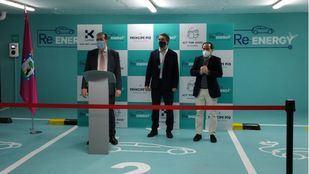 El concejal delegado del Área de Medio Ambiente, Borja Carabante; Ignacio Guimbao, director financiero de Klépierre Iberia, y Jorge Díez, responsable técnico y de Sostenibilidad de Klépierre Iberia.
