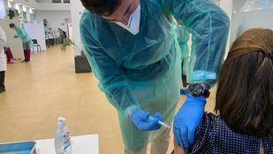 Los menores de 55 años que hayan pasado la Covid-19 recibirán una sola dosis de la vacuna