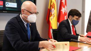 La Comunidad firma un convenio para impulsar la calidad en los servicios públicos de la Administración