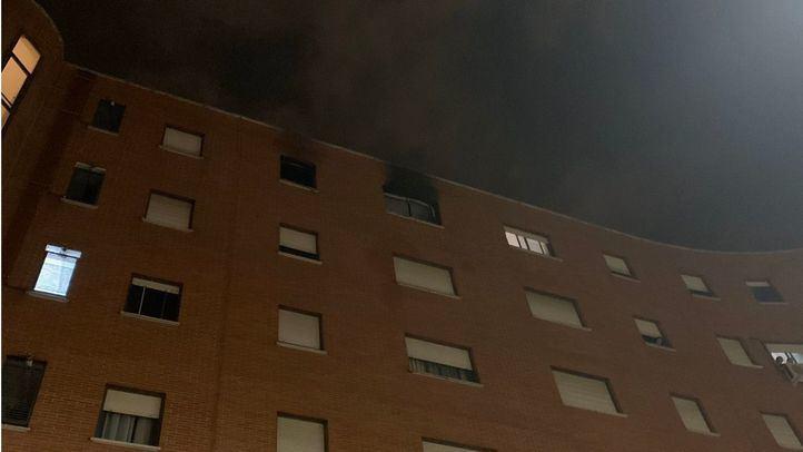 Herido muy grave tras producirse un incendio en su casa de Tetuán