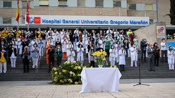 El Gregorio Marañón rinde homenaje a las víctimas del coronavirus en el aniversario de la pandemia