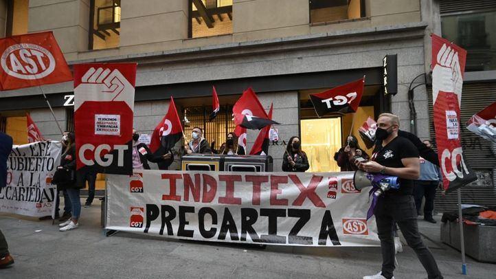 Trabajadores de Inditex se concentran contra 'la precarización del empleo'