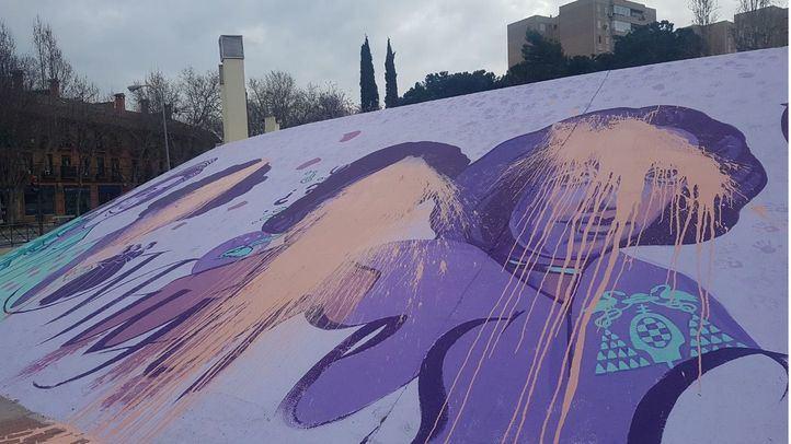 La réplica en Alcalá del mural feminista de Ciudad Lineal amanece vandalizada