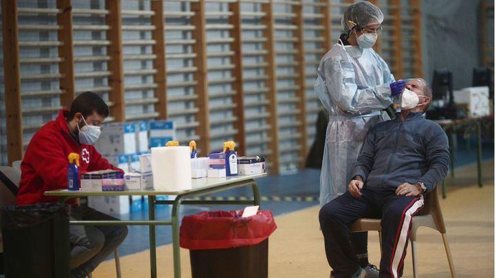 Los test de antígenos llegan esta semana a Móstoles, Alcalá y Torrejón