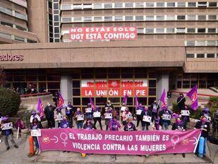 Concentración a las puertas de la sede de UGT Madrid por el 8M