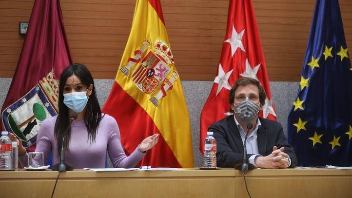 La vicealcaldesa de Madrid, Begoña Villacís, y el alcalde, José Luis Martínez-Almeida.