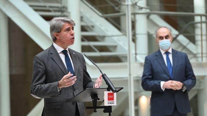 Ángel Garrido, Consejero de Infraestructuras, Transportes y Movilidad de la Comunidad de Madrid, durante la presentación del primer autobús de hidrógeno que se pone en circulación, a modo de prueba, en España