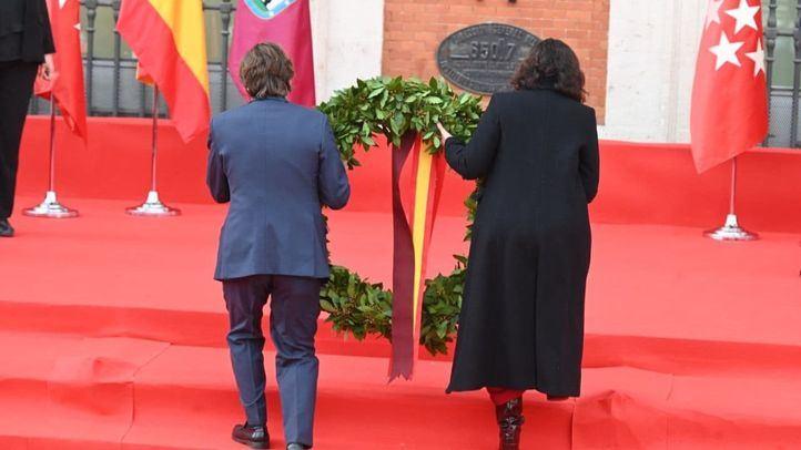 Una corona de laurel recuerda a las víctimas del 11M