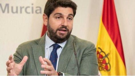 La moción de censura en Murcia, desactivada: el PP 'seduce' a tres diputados de Ciudadanos