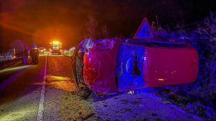 Dos jóvenes heridos en un accidente de coche en Gargantilla del Lozoya