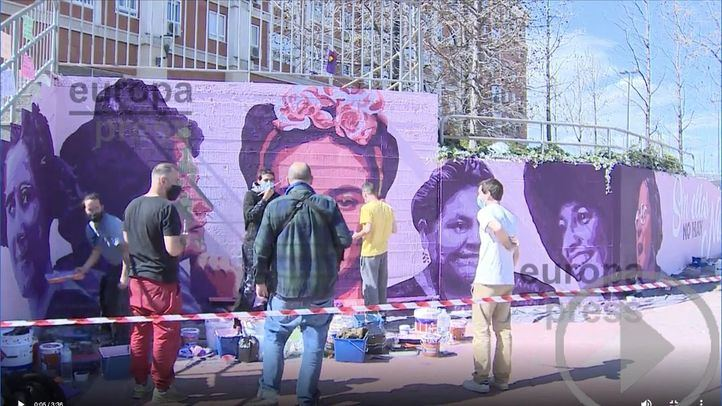 Vuelven a pintar el mural feminista que fue vandalizado en Getafe