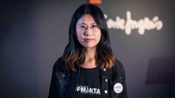 Paloma Chen, ganadora del II Premio Nacional de Poesía de Ámbito Cultural de El Corte Inglés, recita hoy en la RAE