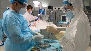Baja la presión hospitalaria mientras vuelven a subir los nuevos contagios Covid