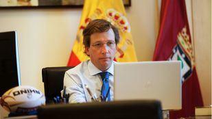 El alcalde de Madrid, José Luis Martínez-Almeida, en la reunión telemática con los alcaldes.