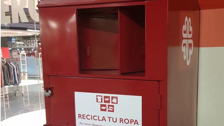 El Corte Inglés recoge 240.000 kg de ropa usada para entregar a Cáritas