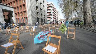 Extinction Rebellion bloquea el Paseo del Prado