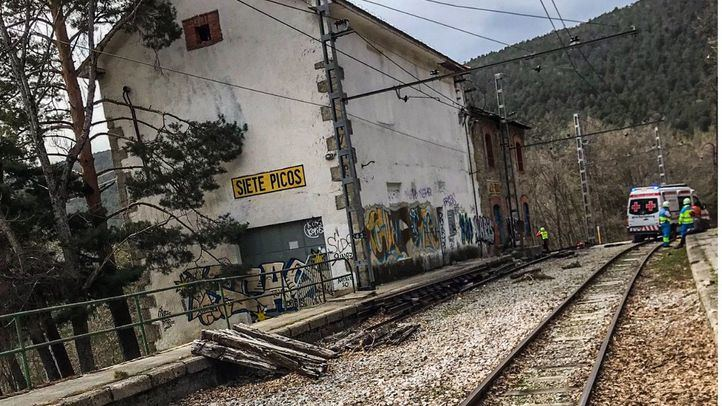Un joven de 16 años electrocutado con la catenaria del tren de Cercedilla