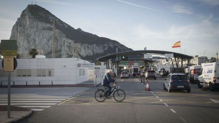España levanta este martes las restricciones para acceder a Gibraltar vía terrestre