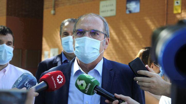 El PSOE adelantará el toque de queda y dará ayudas directas a la hostelería si gana el 4M