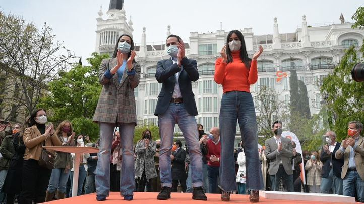 Edmundo Bal, candidato de Ciudadanos a la presidencia de la Comunidad de Madrid, junto a la líder de Ciudadanos, Inés Arrimadas, y Begoña Villacís, vicealcaldesa de Madrid
