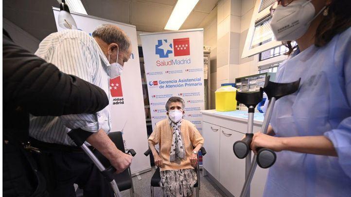 La Comunidad comienza a vacunar la próxima semana a población de 77, 78 y 79 años