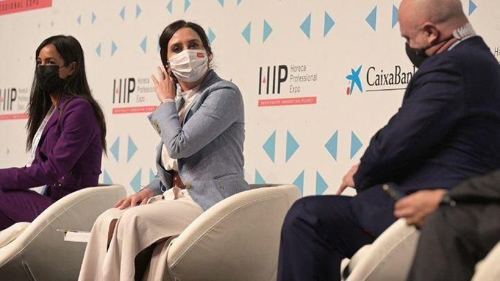 Díaz Ayuso suspende su agenda este viernes y se somete a una prueba Covid tras presentar síntomas