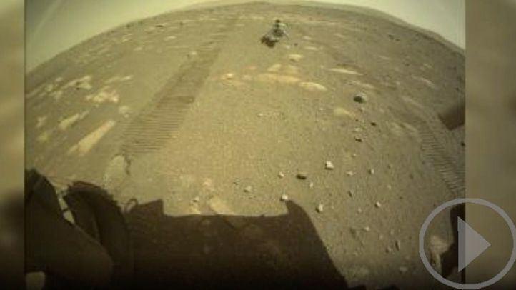 El helicóptero Ingenuity toca la superficie de Marte