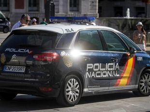 Coche patrulla de la Policía Nacional en una foto de archivo.