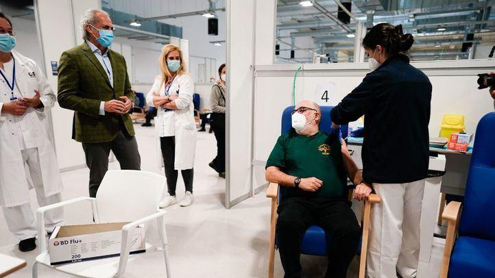 Ruiz Escudero confirma los contactos con Rusia para conseguir la vacuna Sputnik